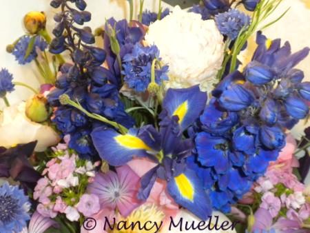 Flower Bouquet at Pike's Place Market (450 x 338)