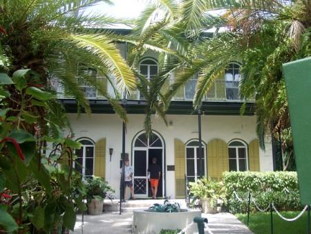 Hemingway'sHouseKeyWestgraham99flickr (450 x 338)