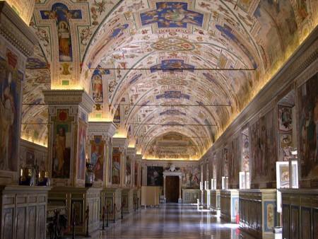 VaticanMuseummalouetteflickr (450 x 338)